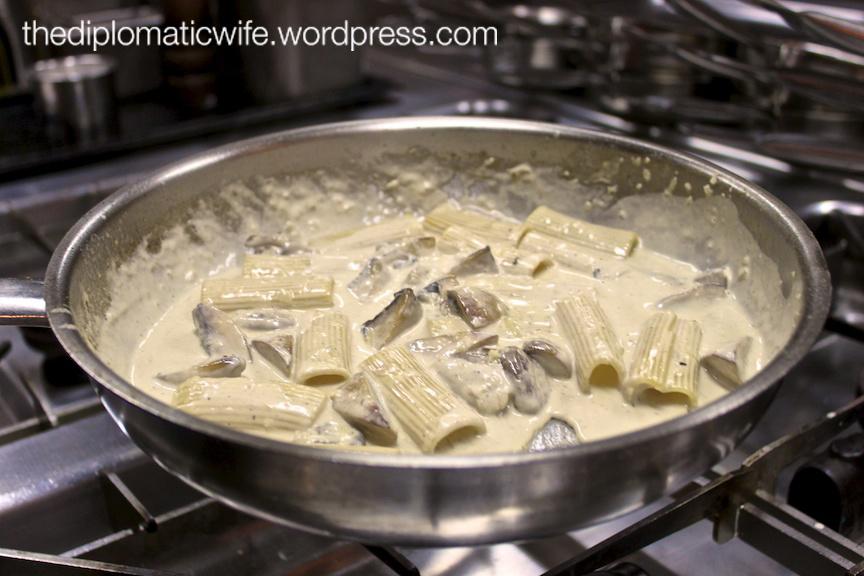 Mushroom and Cream Sauce Pasta