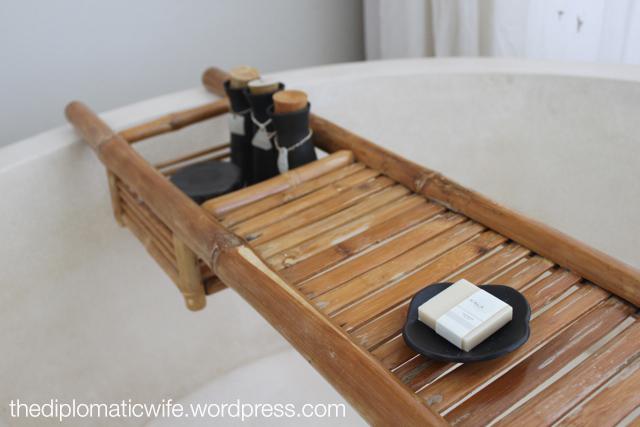 Sala Phuket Resort Deluxe Balcony - bath tub tray