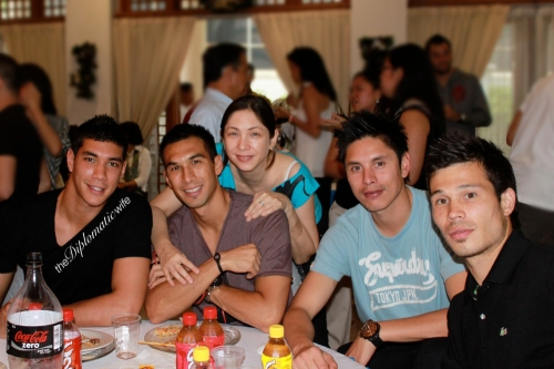 Azkals/Philippine Men's Football Team: Neil Etheridge, Anton del Rosario and his lovely mom, Christ Greatwich and